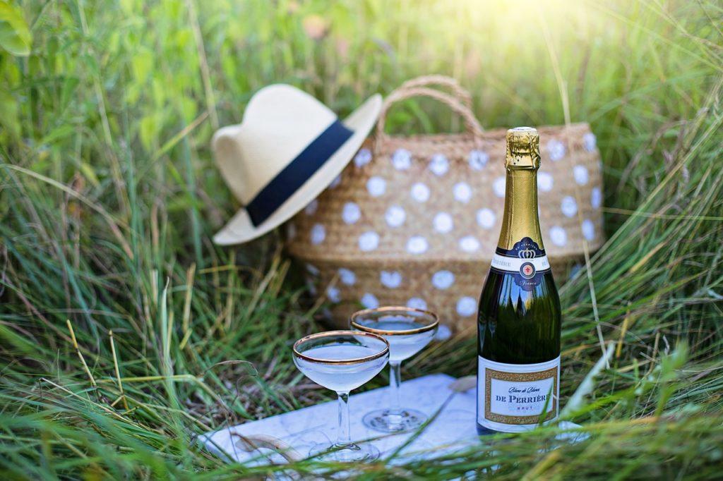 Für kühle Getränke beim Picknick ist eine Kühlbox ideal